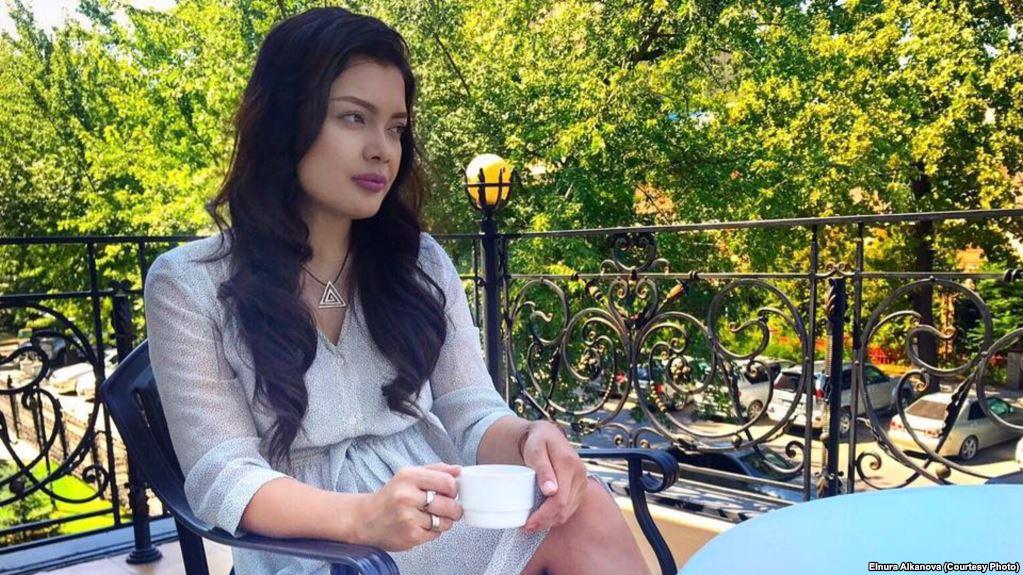 Журналистка Эльнура Алканова подала жалобу на двух следователей финполиции