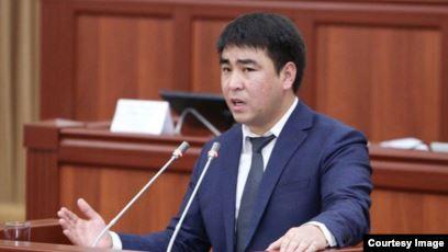 Жанар Акаев возмутился по поводу того, как МВД расследует нападение на Болота Темирова