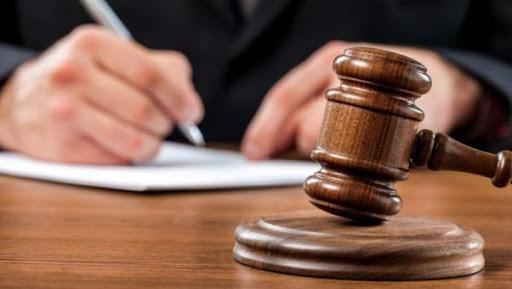Суд решил, что гендиректора Джалал-Абадского областного телевидения уволили незаконно
