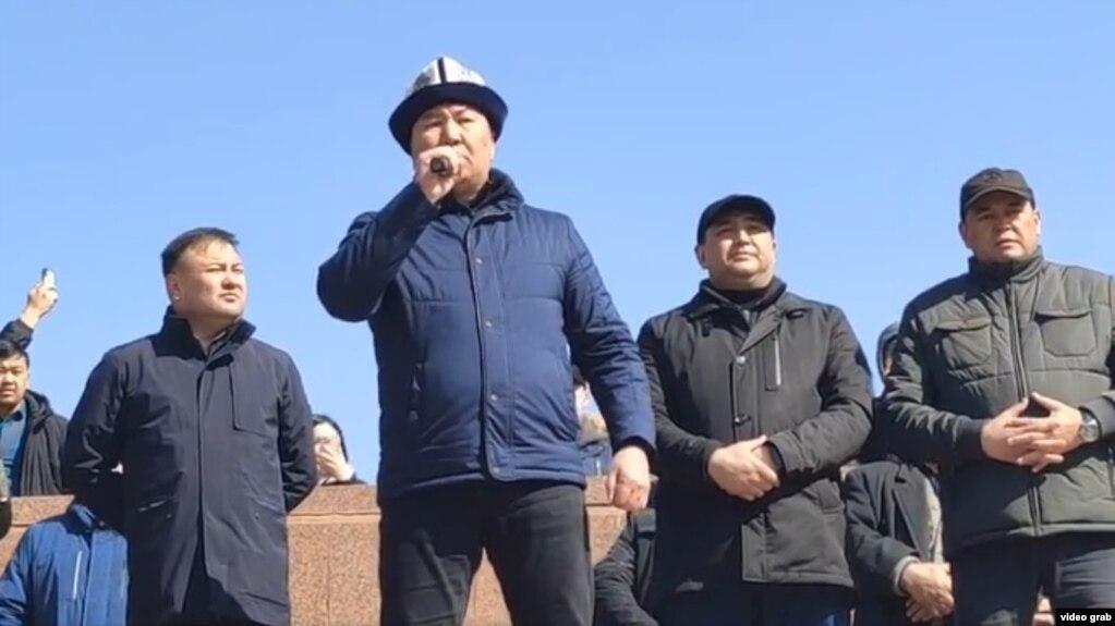 Бактыбек Райымкулов поднял вопрос об обсуждении и принятии законопроекта об НКО