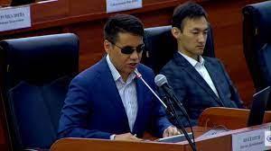 Штраф вместо срока. Депутат Бекешев снова предлагает пересмотреть наказание за «разжигание розни»