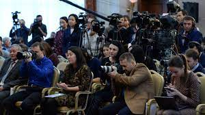 Журналисты в Кыргызстане сталкиваются с беспрецедентным уровнем запугивания и преследования — обращение медиасообщества