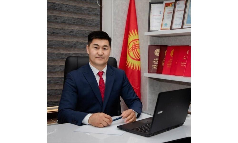 Очерняет армия фейков. Депутат Шайлообек Атазов жалуется на соцсети