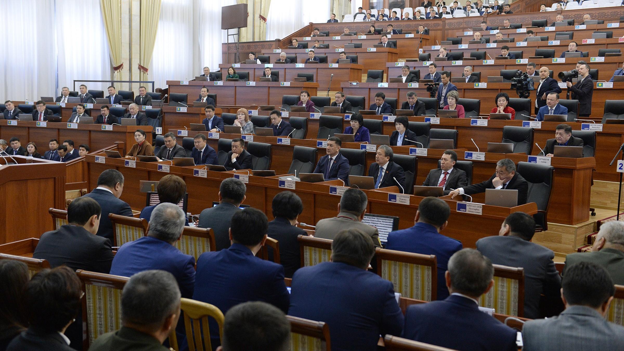 Парламент одобрил в третьем чтении законопроект, ограничивающий деятельность НКО. Последнее слово за президентом