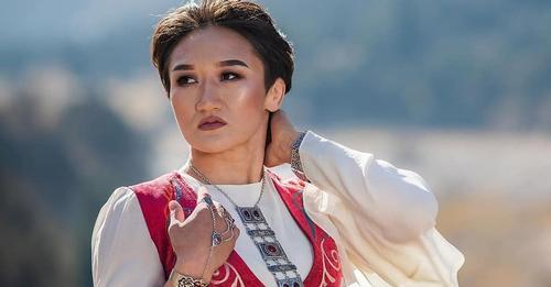 В соцсетях появился фейковый аккаунт «Айсулуу Тыныбекова»